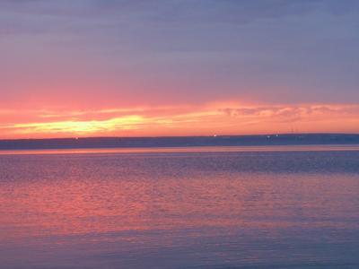 Закат. закат озеро вода ярко яркий ночь вечер темно
