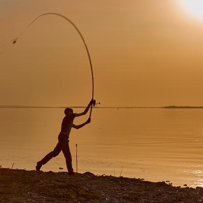 Дальний заброс. Весна вечер солнце фидер рыболов