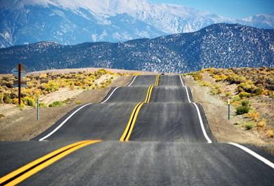 Где-то по дороге в Лас-Вегас дорога путешествия сша америка дороги пейзаж калифорния горы лас-вегас
