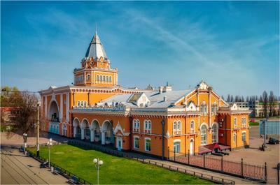 Железнодорожный вокзал Чернигова.