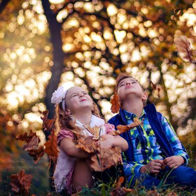 Только в детстве мы умеем быть счастливыми...Просто так!)))