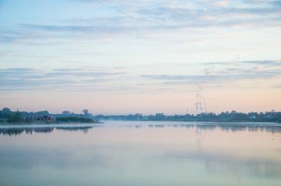 Рассвет над озером польша озеро рассвет никон мягкость вода отражение небо