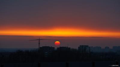 WOW-Градиент 5.04.21 омск закат градиент полоса облачность смог оранжевый пасмурно балкон