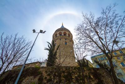 Гало и Галатская башня гало башня город небо Стамбул Турция архитектура здание