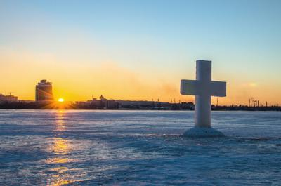Закат на крещение Крест закат крещение Днепр
