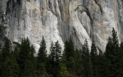 Найди скалолаза Yosemite Valley El Capitan.