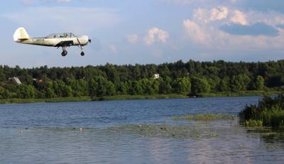 Заход над Волгой Як-52 заход на посадку река Волга аэродром Волжанка