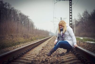 Долгий путь Девушка рельсы железная дорога