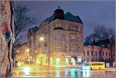 Вечерний город (14) город,вечер,улица,дом,огни