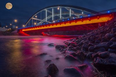 Мост, улица, фонарь...