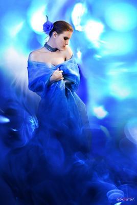 Aphrodite блики, девушка, синий, студия