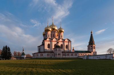 Успенский собор Иверского монастыря на Валдае.