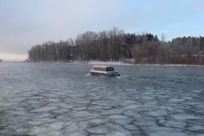 Зимняя навигация. лёд