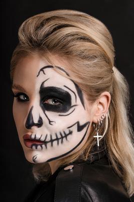 Алина Девушка портрет блондинка студия бьюти