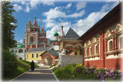 В Саввино-Сторожевском монастыре подмосковье саввино-сторожевский монастырь