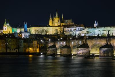 Прага. Вид на Карлов мост и Пражский Град. Прага Новый год Влтава Карлов мост