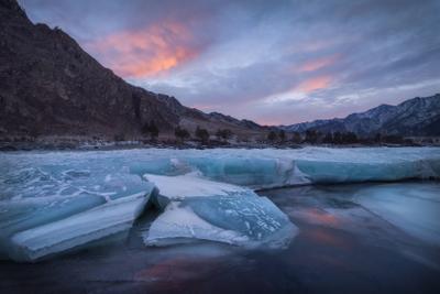 Ледяное царство Катуни горный алтай чемальский район катунь горная река горы лед ледяной панцирь бирюза зима февраль еланда еландинские пороги закат