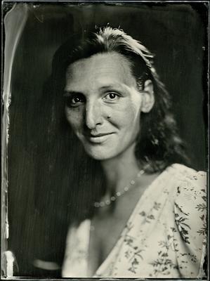 Наташа амбротип мокрый коллодий большой формат портрет
