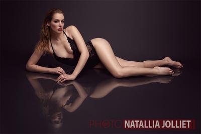 Tanais beauty portrait face lips model hair make-up fashion fresh glamour style mode black swan