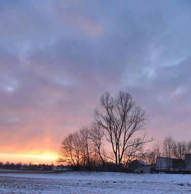 Последний свет уходящего дня закат