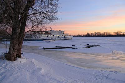 Февраль, рассвет на Днепре февраль рассвет корабль зима река
