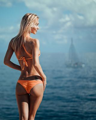 *** море девушка купальник модель