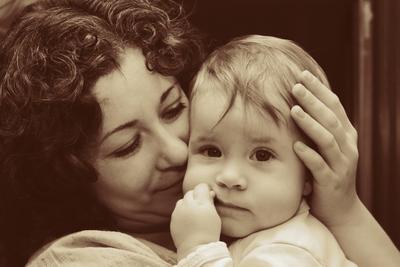 Нежнось портрет, мать, ребенок
