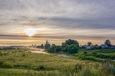 Утро середины лета дунилово река Теза утро лето монастырь