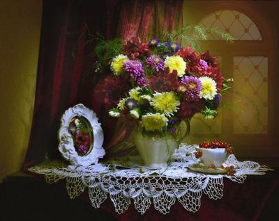Скоро осень постучится, скоро осень... still life натюрморт фото лето август цветы георгины хризантемы красная смородина