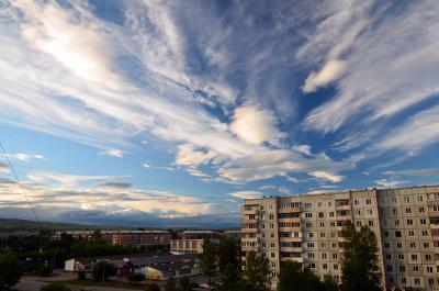Небесное шоу для маленького городка Сибирь город небо облака шоу