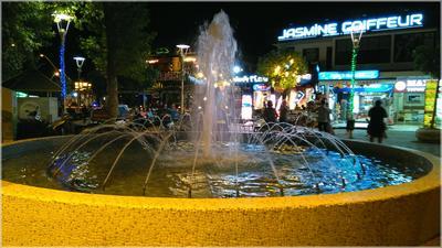 Ночная жизнь Кемера Турция Кемер фонтан вечер магазины