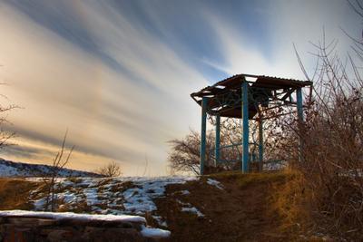 Встретимся в беседке Осень горы беседка небо снег закат