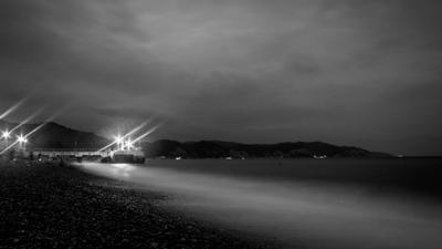 Ночь близка Море Чёрное море Абхазия Волны Горы Берег Ночь