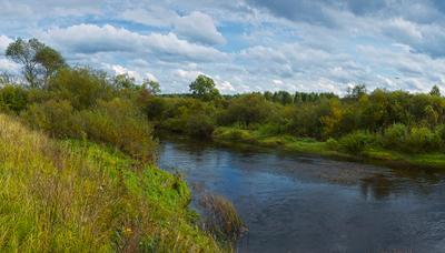 В сентябре на реке осень река небо берег
