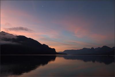Вольфгангзее Австрия Зальцкаммергут Санкт Гильген озеро Вольфгангзее утро август