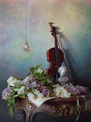 Натюрморт со скрипкой и цветами цветы девушка скульптура сирень