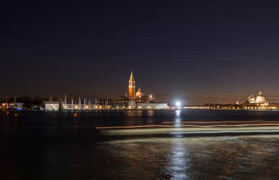 *** Венеция вечер лодки море