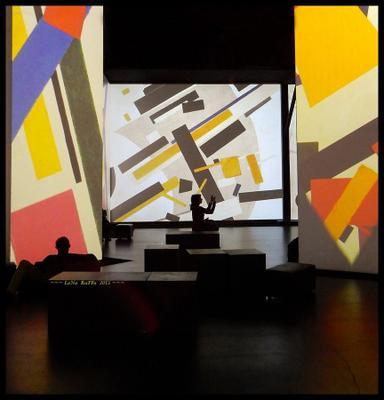 На выставке выставка великие модернисты картины