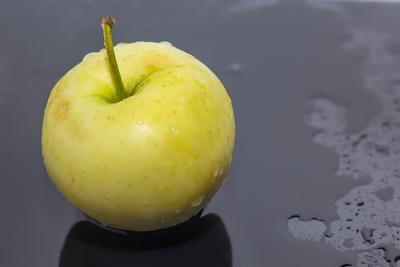 Яблоко яблоко желтое предметное фото