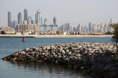 Вид на Дубай с острова Jumeirah