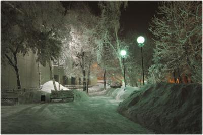 Сказочный  уголок Город ночь фонари зима мороз иней сквер