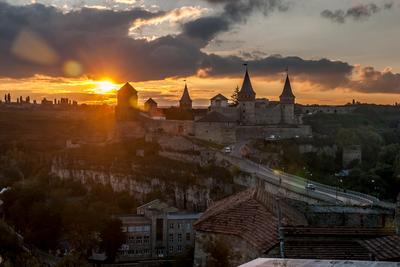 Каменец-Подольский замок Каменец-Подольский замок крепость старый город закат