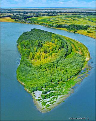 Зелёный остров. Иртыш река остров
