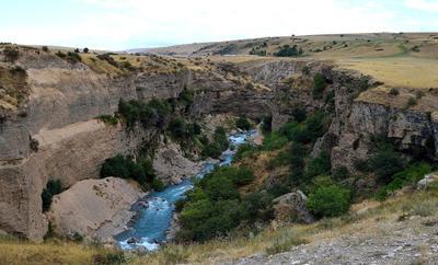 Каньон реки Аксу горы