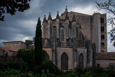 Обратная сторона готика собор