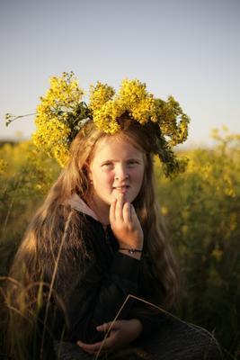 Лето возвращайся лето девочка подросток цветы желтые