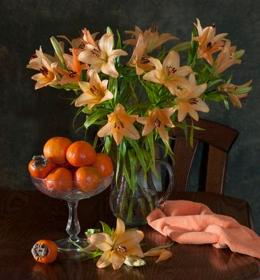 Натюрморт в оранжевых тонах