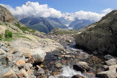 Ледниковый ручей Альпы, горы