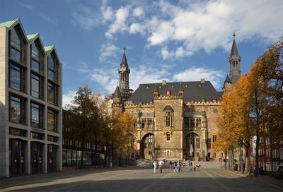 В городе осень... Ахен Ратуша Германия осень