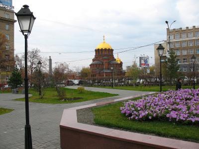 Площадь Свердлова, сквер архитектора Крячкова. город улица осень новосибирск